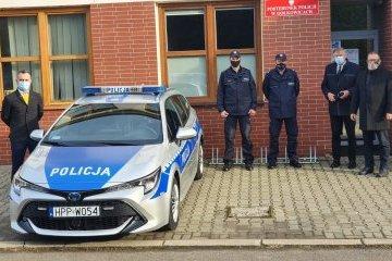 Przekazanie nowego radiowozu oraz alkomatu dla Policji w Gołkowicach